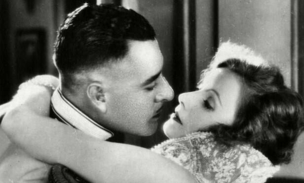 ROMANTIKK: I flere filmer spilte Greta Garbo mot John Gilbert, og det var kjent at hun var romantisk involvert med ham i en periode.