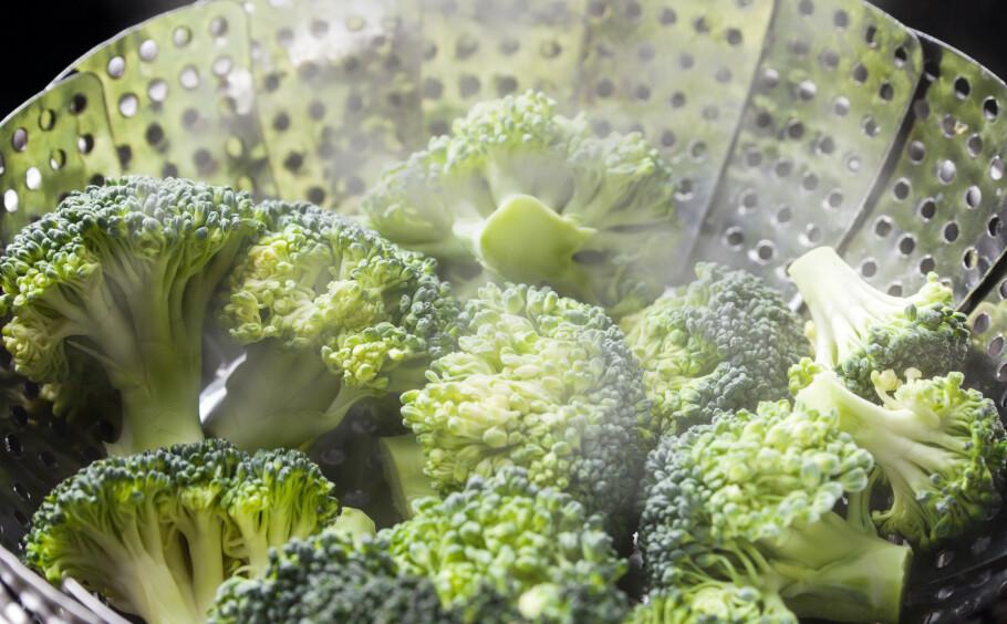 TILBEREDE GRØNNSAKER: Noen av næringsstoffene forsvinner hvis du tilbereder grønnsakene feil. FOTO: NTB Scanpix
