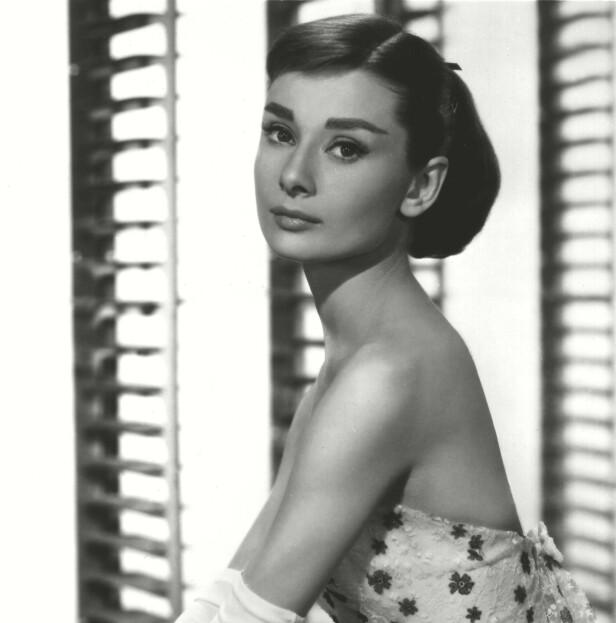 50-TALLET: Stilikonet Audrey Hepburn ble ofte sett med en kort lugg. Foto: NTB