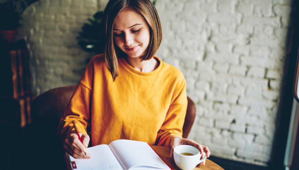 POSITIVE ASSOSIASJONER: Mange forbinder kaffe med kaffepauser og kaffekos, og da er det greit å vite at det i tillegg kan være veldig bra for helsen. FOTO: NTB Scanpix