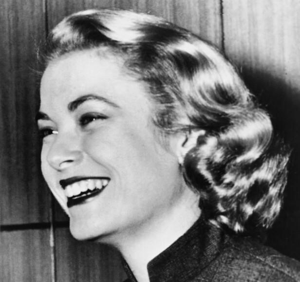 HITCHCOCK-BLONDINE: Før Grace Kelly giftet seg med fyrst Rainier, hadde hun vunnet Golden Globe for beste kvinnelige birolle og blitt nominert til Oscar for beste kvinnelige birolle. Samt spilt i tre Hitchcock-filmer. FOTO: NTB Scanpix