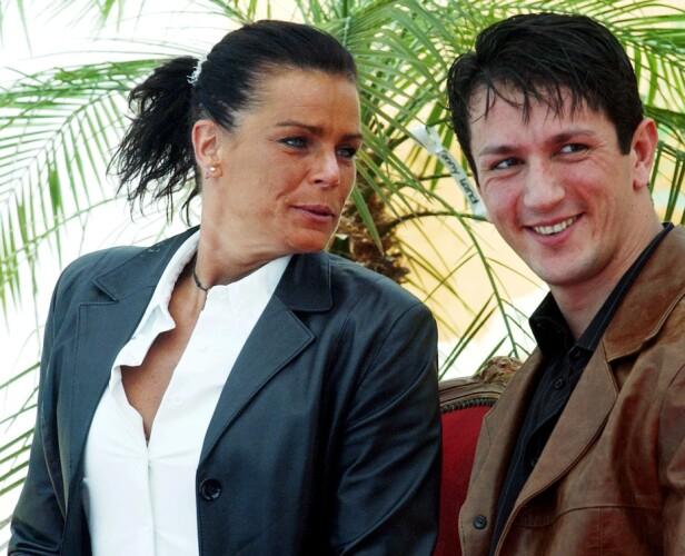 AKROBAT: Stéphanie sammen med sin ti år yngre ektemann Adans Lopez Peres. Ekteskapet tok slutt etter ett år. FOTO: NTB Scanpix