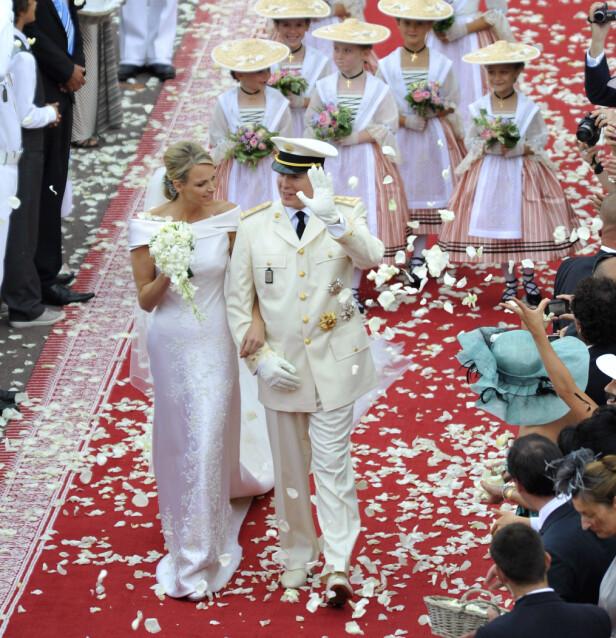 TRONEN SIKRET: Da Albert giftet seg med den sørafrikanske svømmeren Charlène Wittstock kunne innbyggerne i fyrstedømmet puste lettet ut. FOTO: NTB Scanpix