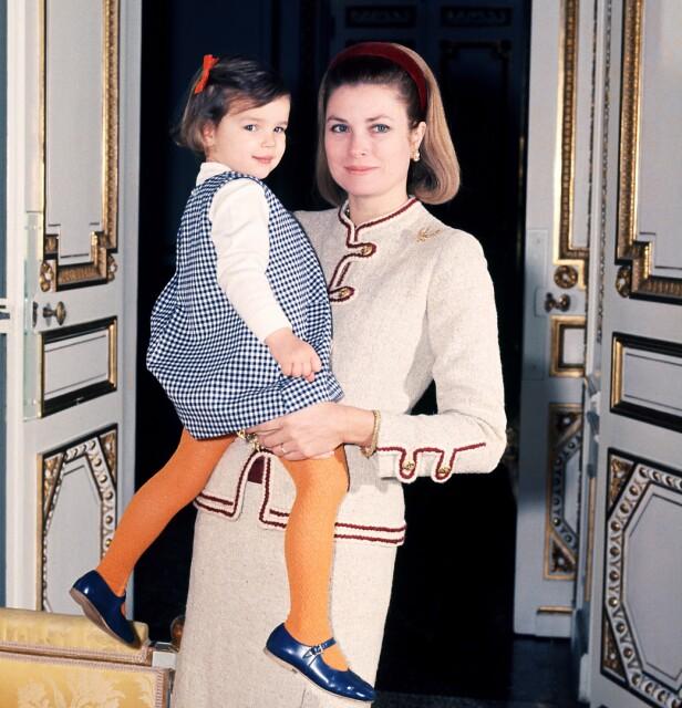 VILLSTYRING: Stéphanie og mamma Grace hjemme på slottet i Monaco. FOTO: NTB Scanpix