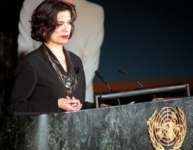 ENGASJERT: På FNS talerstol i 1999 i forbindelse med en konferanse til bekjempelse av vold mot kvinner. (FOTO: NTB Scanpix)