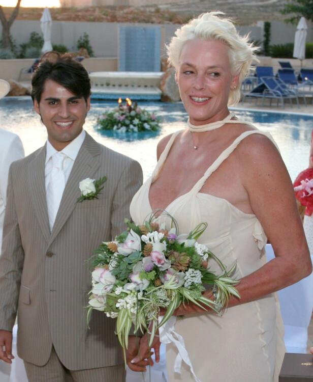 TRYGG HAVN: Eksmodellen Mattia Dessi er Brigitte Nielsens femte mann, og paret har en datter sammen. FOTO: NTB Scanpix