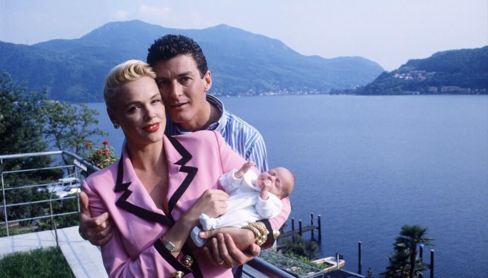EN TO TRE, PÅ DET FJERDE SKAL DET SKJE: Brigitte og ektemann nummer fire, Raoul Meyer, med sin nyfødte sønn ved Luganosjøen i Italia i 1993. i FOTO: NTB Scanpix