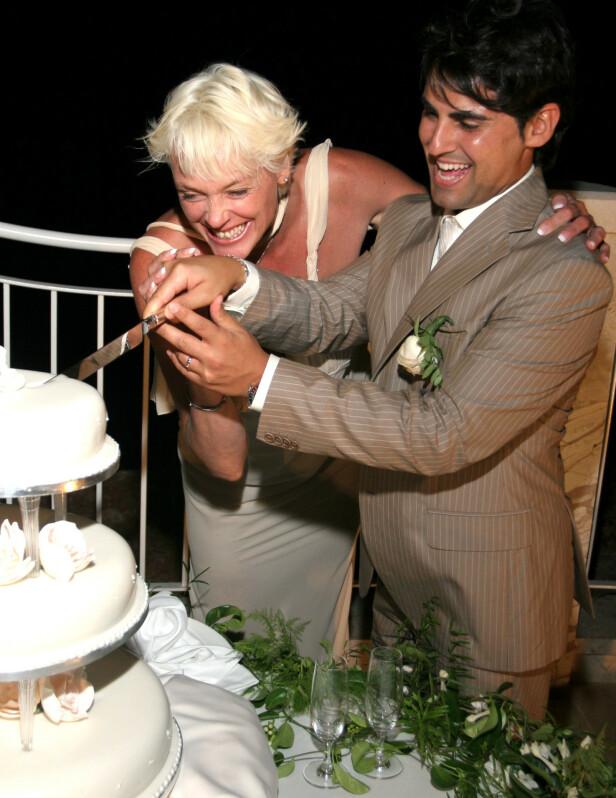 MANN OG KONE: Bryllupet med italienske Mattia Dessi sto på Malta i 2006. FOTO: NTB Scanpix