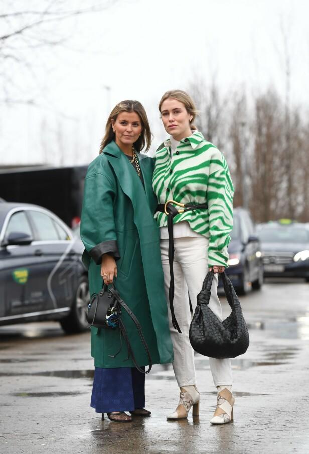 ULIKE NYANSER: Her ser du en flott, grønn kåpe på Janka Polliani og en kort jakke med mønster i grønt på Annabel Rosendahl. Foto: NTB Scanpix