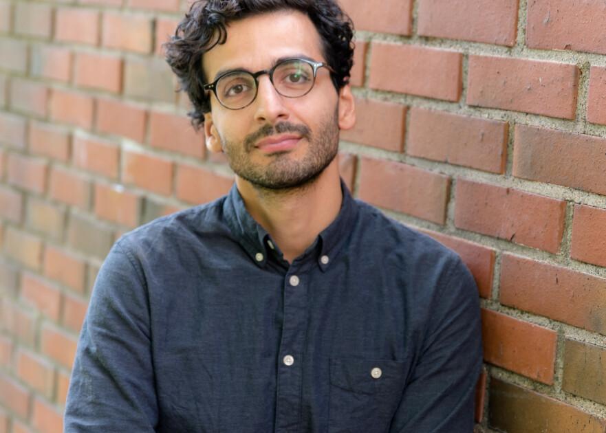 KANSKJE DU ER FRISK: Fastlege og samfunnsdebattant Kaveh Rashidi har skrevet bok som skal være en kur for bekymrede pasienter. Foto: Jorunn Valle Nilsen