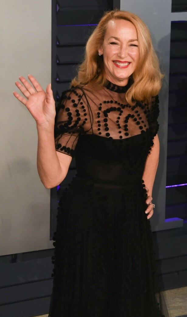 HOLLYWOOD: På Oscar-party i fjor. Jerry Hall holder seg fantastisk. FOTO: NTB Scanpix