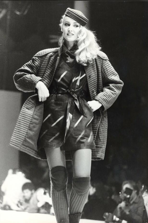 TOPPMODELL: På catwalken i Paris for Issey Miyake i 1980. FOTO: NTB Scanpix