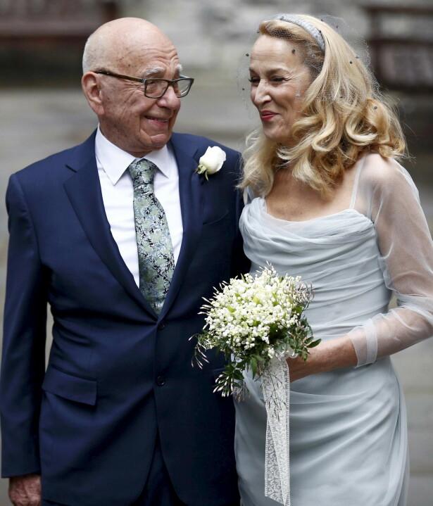 MURDOCH: i 2016 giftet Jerry Hall seg med den aldrende mediemogulen Rupert Murdoch. De to bor nå i Bel Air utenfor Los Angeles. FOTO: NTB Scanpix