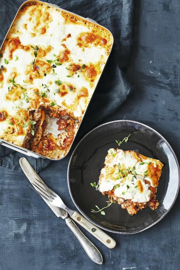 Denne lasagnen er av det riktig sunne slaget, og det er ingenting å si på smaken. Tips! Savner du vanlige pastaplater i lasagnen, kan du bruke det i stedet for butternutsquash. FOTO: Winnie Methmann