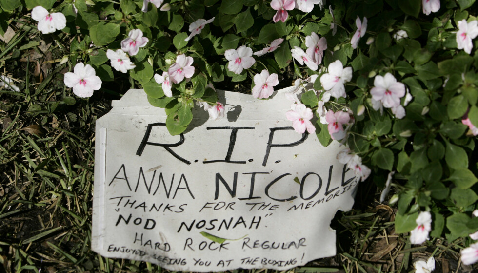 SISTE HILSEN: «Takk for minnene», skrev fansen da det ble kjent at modellen og skuespilleren var død. FOTO: NTBScanpix.