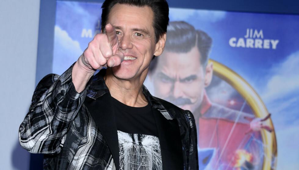 I HARDT VÆR: Hollywood-stjerna Jim Carrey fikk høre det på sosiale medier etter et oppsiktsvekkende intervju med en kvinnelig journalist. FOTO: NTBScanpix
