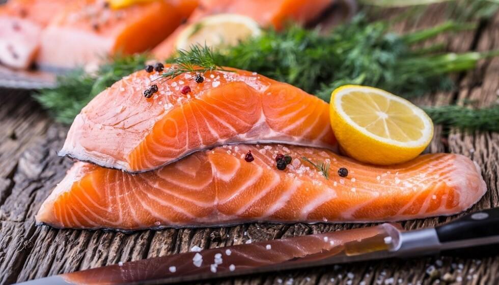 LAKSEFILET: Filetstykkene inneholder mindre omega-3 enn koteletter, fordi mye av fettet er fjernet. FOTO: NTB Scanpix