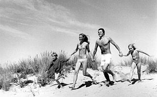 Da legen bladde i fotoalbum fra 70-tallet, fikk han sjokk