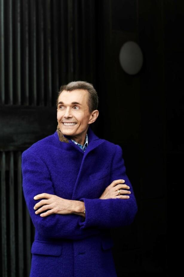 – Jeg har ikke behov for å gå på nattklubb og konkurrere med 30-åringer, jeg elsker familielivet, sier Ole Henriksen. FOTO: Robin Skjoldborg