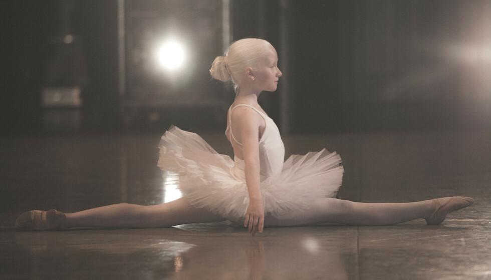 TALENT: Leah var åtte da hun kom inn på Operaens ballettskole. Siden har hun danset både i Svanesjøen og i Nøtteknekkeren. FOTO: NRK