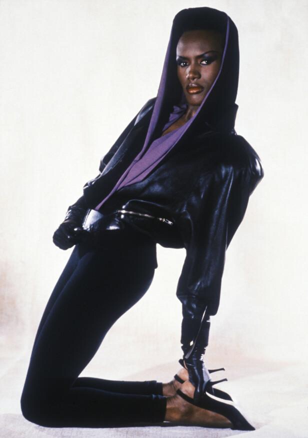 BOND-PIKE: Ingen klassisk blondine. Men dampende sexy i James Bond-filmen A View To A Kill fra 1985. FOTO: NTB Scanpix
