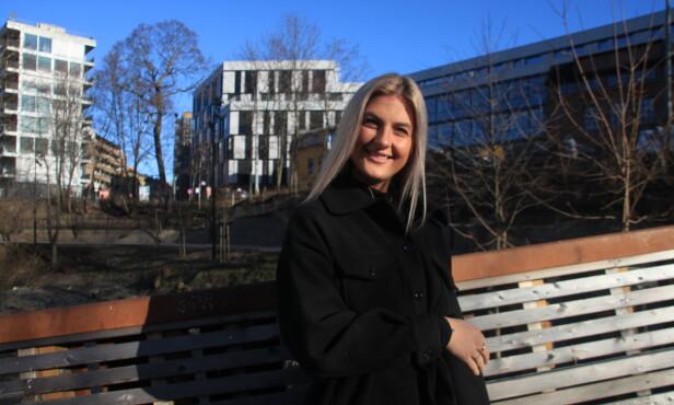 BEDRE NÅ: Thea Celine Holstad har klart å jobbe med seg selv, og ser lyst på livet. FOTO: Kamilla Skjørland