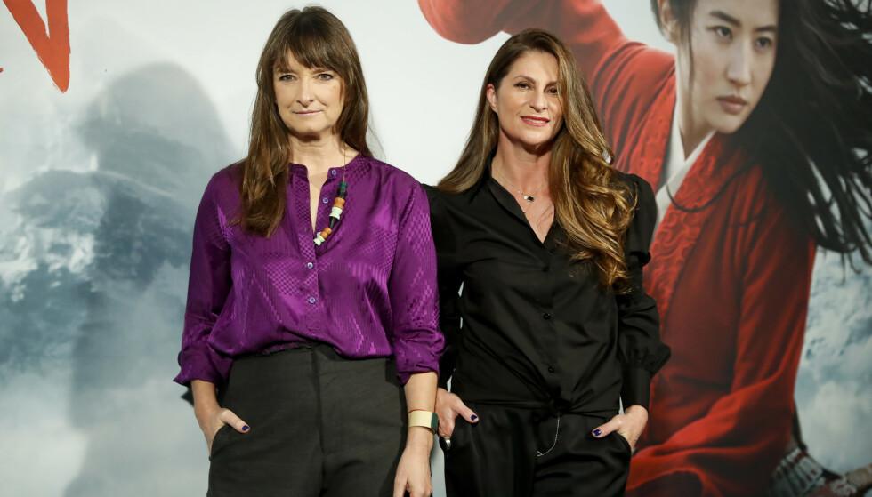 Fra venstre, Kostymedesigner Bina Daigeler (55) og regissør Niki Caro (53). FOTO: NTB Scanpix.