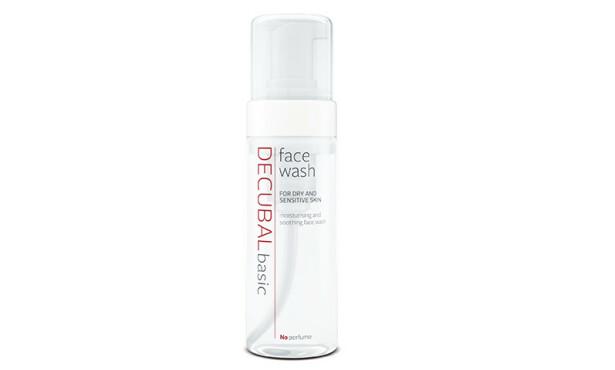 ANSIKTSVASK: Decubal face wash er et fuktighetsgivende og beroligende vaskeskum til daglig rens av ansiktshuden.Perfekt for alle tørrnoser der ute!