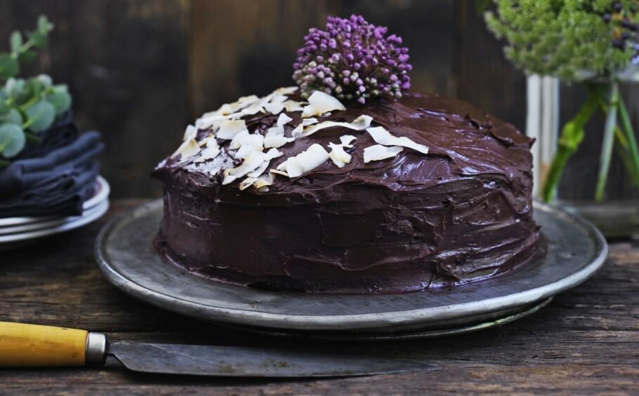 OPPSKRIFTER: Få oppskrifter på deilige kaker. Her er rødbetsjokoladekake. FOTO: Columbus Leth