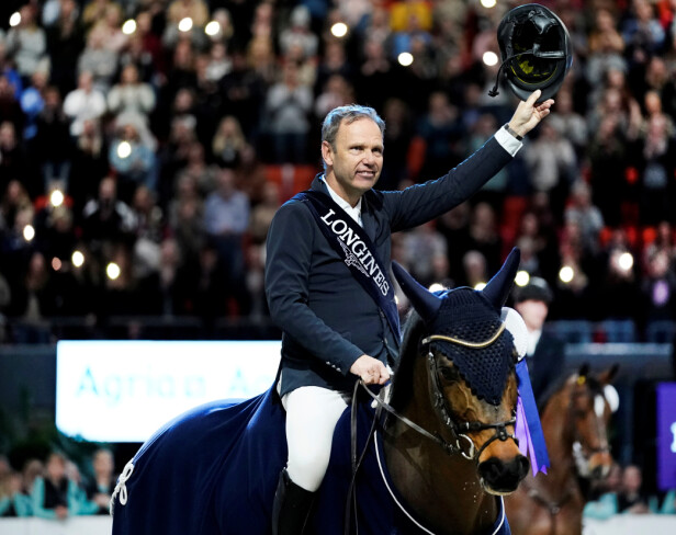 MINNERIKT: Geir Gulliksen og hesten Groep Quatro etter å ha vunnet den prestisjetunge FEI Jumping World Cup under Gothenburg Horse Show i februar 2020. FOTO: NTBScanpix