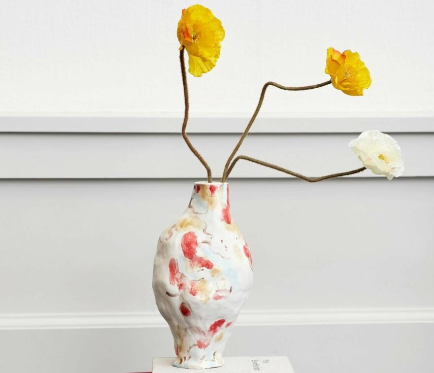 <strong>KLAR FOR VÅR:</strong> Vi gleder oss til å fylle hjemmet med deilige vårblomster. Nå mangler vi bare den perfekte vasen å ha dem i! Foto: HAY