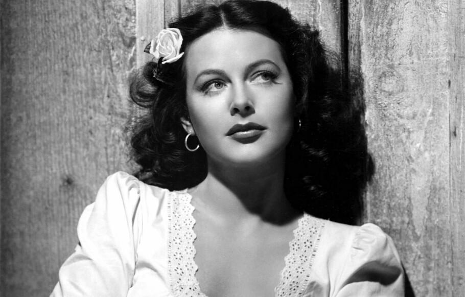 OPPFINNER: Hedy Lamarr var ikke bare Hollywood-stjerne, hun hadde eget oppfinner-rom hjemme og la grunnlaget for moderne trådløs teknologi under krigen. FOTO: NTB scanpix