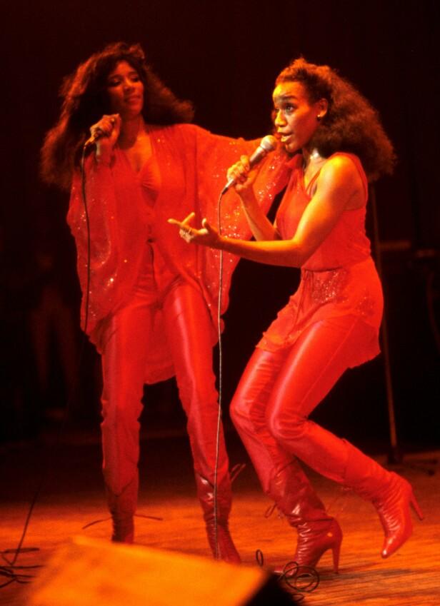 DANSBART: Sister Sledge fikk alle ut på dansegulvet når de fyrte opp. FOTO: NTB Scanpix
