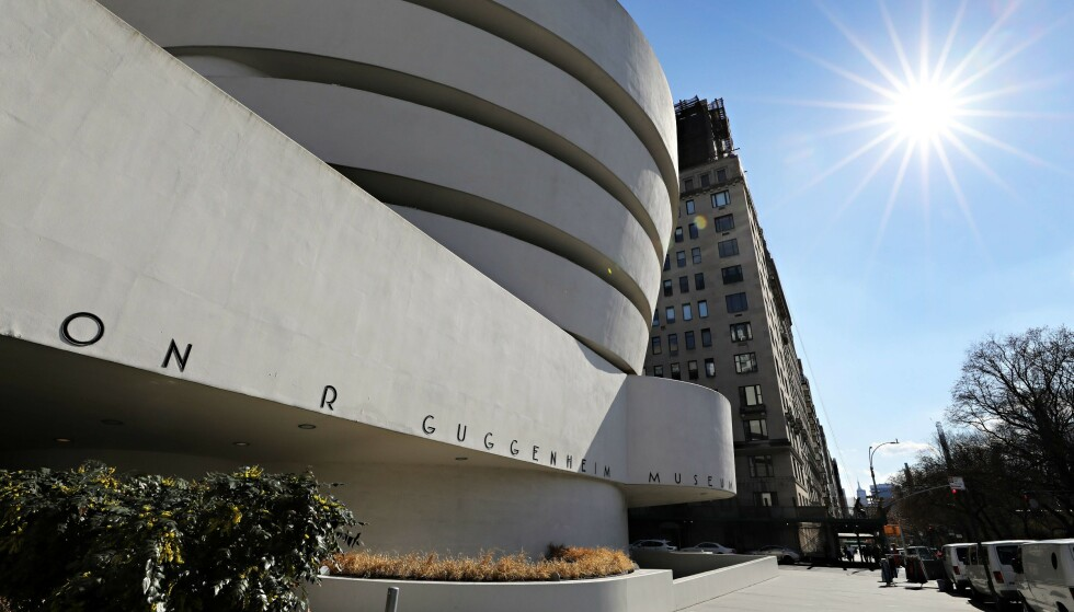 PÅ EN SNURR: Guggenheim-museet varslet om stengte dører under koronautbruddet, men online er det åpent, og du kan når som helst gå på rundtur. FOTO: NTB Scanpix