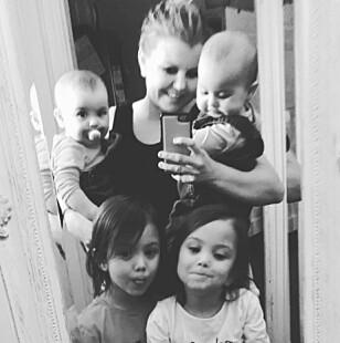 FULLT HUS: I en periode var Marita hjemmeværende med alle fire barna. FOTO: Privat