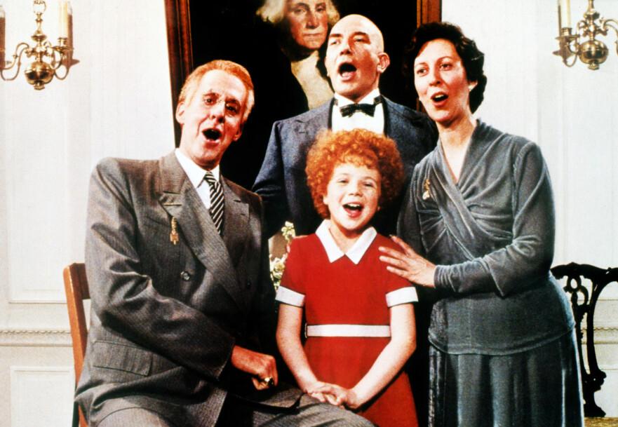 ANNIE: Aileen Quinn var bare 11 år da hun i 1982 spilte den foreldreløse jenta Annie som vokste opp på barnehjem. I saken kan du se hvordan hun ser ut i dag! FOTO: NTB scanpix
