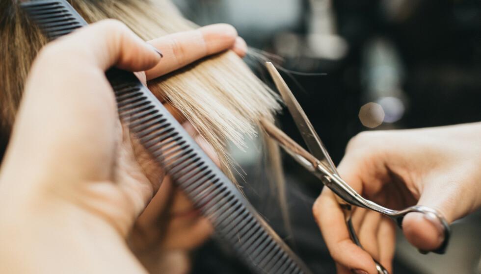 HÅRTIPS: Hvordan ta best vare på håret? Og kan man farge og klippe håret hjemme? Vi har svaret! FOTO: NTB scanpix