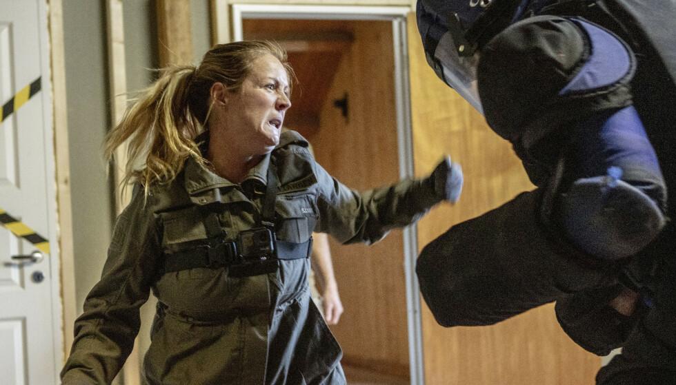 NÆRKAMP: Siri Kristiansen i beintøff kamp. Etter hjemkomsten lengtet hun tilbake til militærleiren. FOTO: Matti Bernitz/TV2
