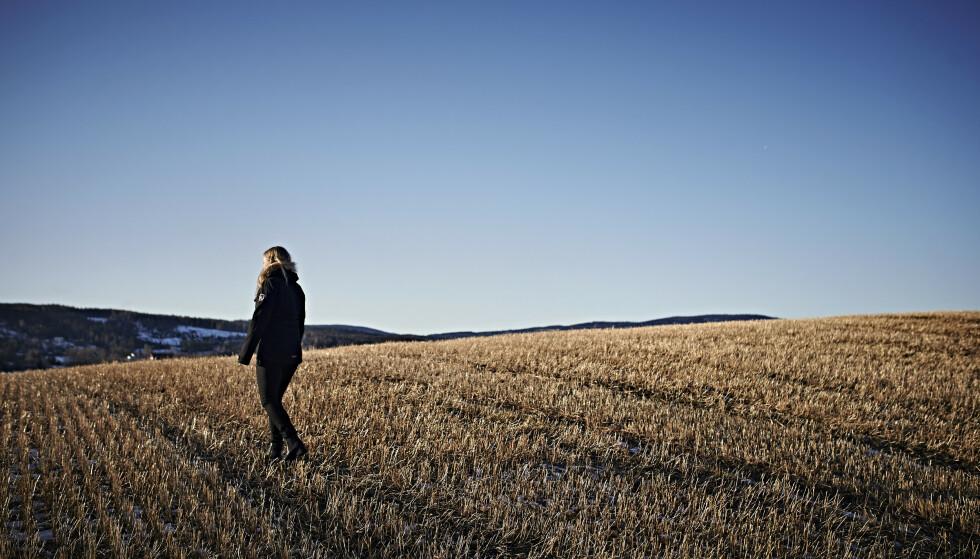 <strong>– Jeg føler av og til at jeg kunne gått rundt med en plakat i panna som sier:</strong> Jeg er Alvdal-jenta. At alle har en mening om meg før de møter meg. FOTO: Geir Dokken