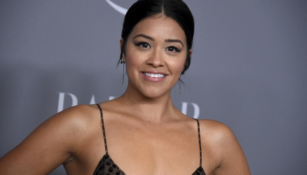 NYGIFT: Skuespiller Gina Rodriguez giftet seg med sin Joe LoCicero i fjor sommer – en dag det lykkelige paret neppe glemmer med det første. Måten de møttes på, er dog minst like minneverdig. FOTO: NTB Scanpix