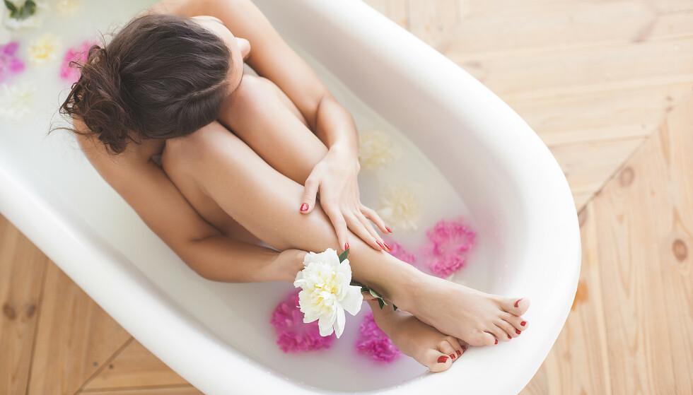 IKKE TILFELDIG: Det er ikke nødvendigvis tilfeldig hvem som har mulighet til å ta et bad hver dag. Er det de vellykkede? Hvem har råd og anledning til å gjøre det? Det kan påvirke hvordan vi leser resultatet av studien. FOTO: NTB Scanpix