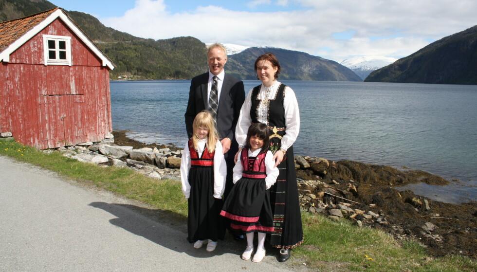 NY FAMILIE: Jentene trengte en mor, og Anna hadde lenge lengtet etter en familie, da hun møtte Arve. FOTO: Privat