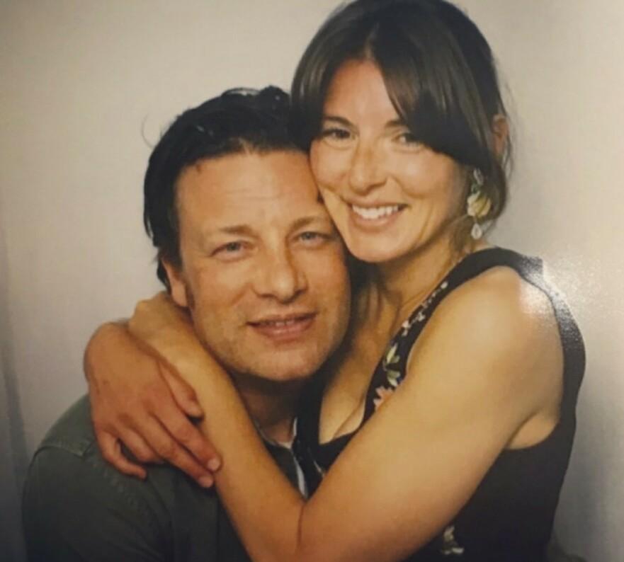 BARNEKJÆR: Jamie Olivers kone ønsker seg barn nummer seks, til tross for at Jamie har foreslått å sterilisere seg. FOTO: SkJermdump Instagram