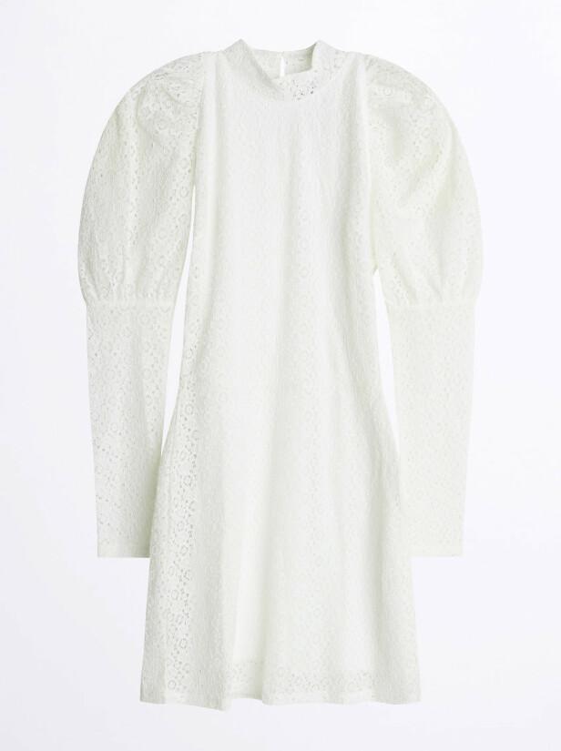 Kjole med puffermer (kr 600, Gina Tricot).