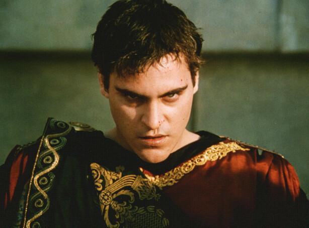 OND HERSKER: Joaquin Phoenix' ondskap kjente nærmest ingen grenser i rollen som Commodus i «Gladiator». FOTO: NTB Scanpix