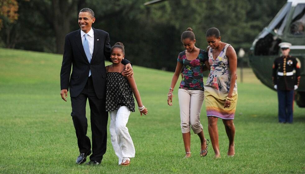 DEN GANG DA: Familien Obama landet trygt med helikoptere på gressplenen ved Det hvite hus, etter en svipptur til Martha's Vineyard i 2010. FOTO: NTB scanpix
