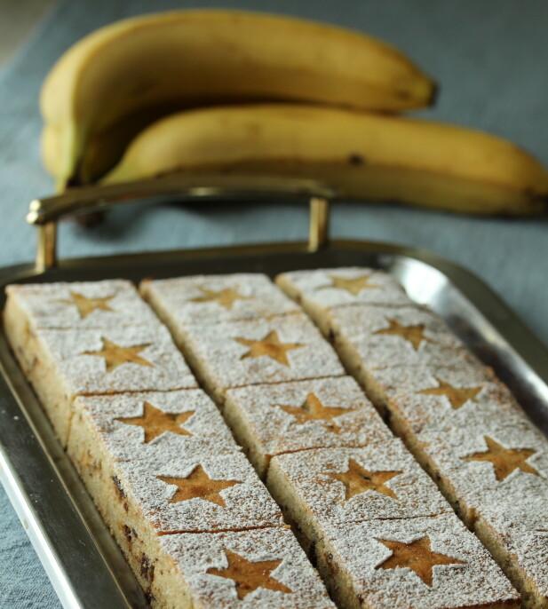 KAN BRUKES: Ikke kast de brune banene som ligger på kjøkkenbenken! Bruk dem som hovedingrediens i en saftig kake i stedet. FOTO: Elin Vatnar Nilsen