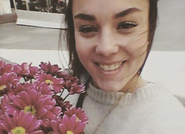 TRONDHEIM: Maria Olsen elsker de sjarmerende blomsterbutikkene på Bakklandet. Hun har bodd nesten hele livet i Tronheim. FOTO: Privat