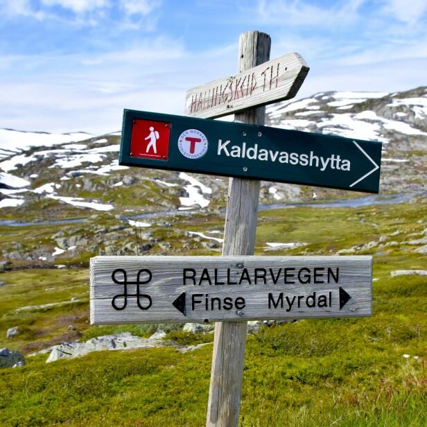 <strong>FRA ØST TIL VEST:</strong> Den gamle anleggsveien går langs Bergensbanen og Flåmsbana. FOTO: Mari Beraksten
