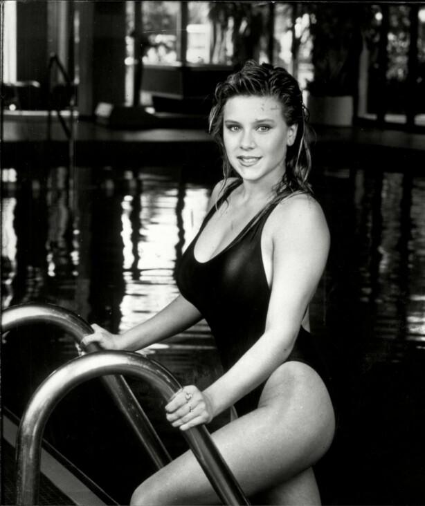 <strong>UNG GLAMOUR:</strong> Samantha Fox slo gjennom som 16-åring, som «Side 3-modell» i The Sun. FOTO: NTB Scanpix